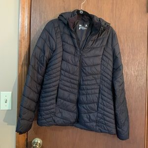 Xersion lightweight puffer jacket small in black